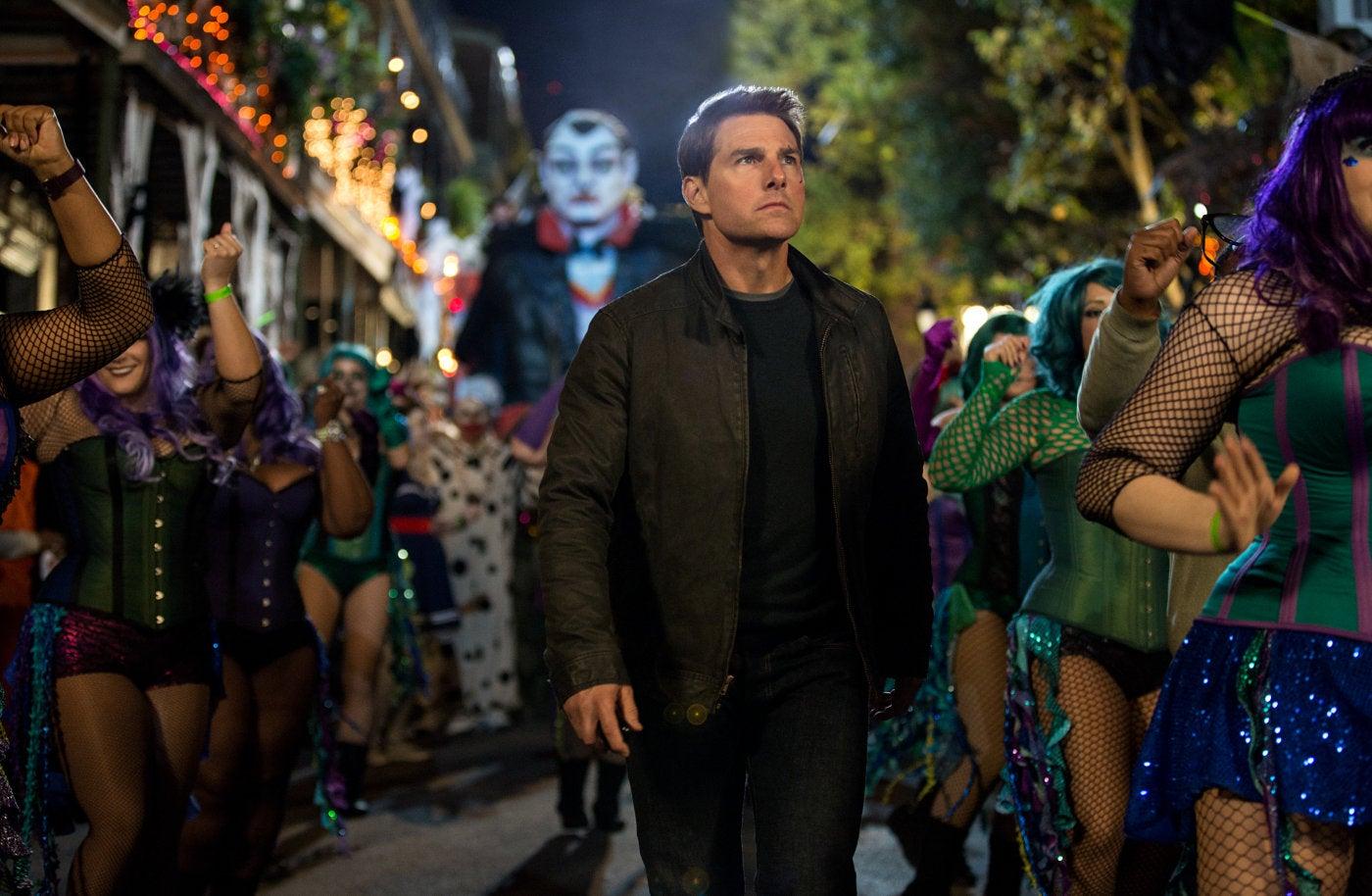 Actor Tom Cruise, Golden Globe winner, in a scene from Jack Reacher, Nevr Go Back, 2016