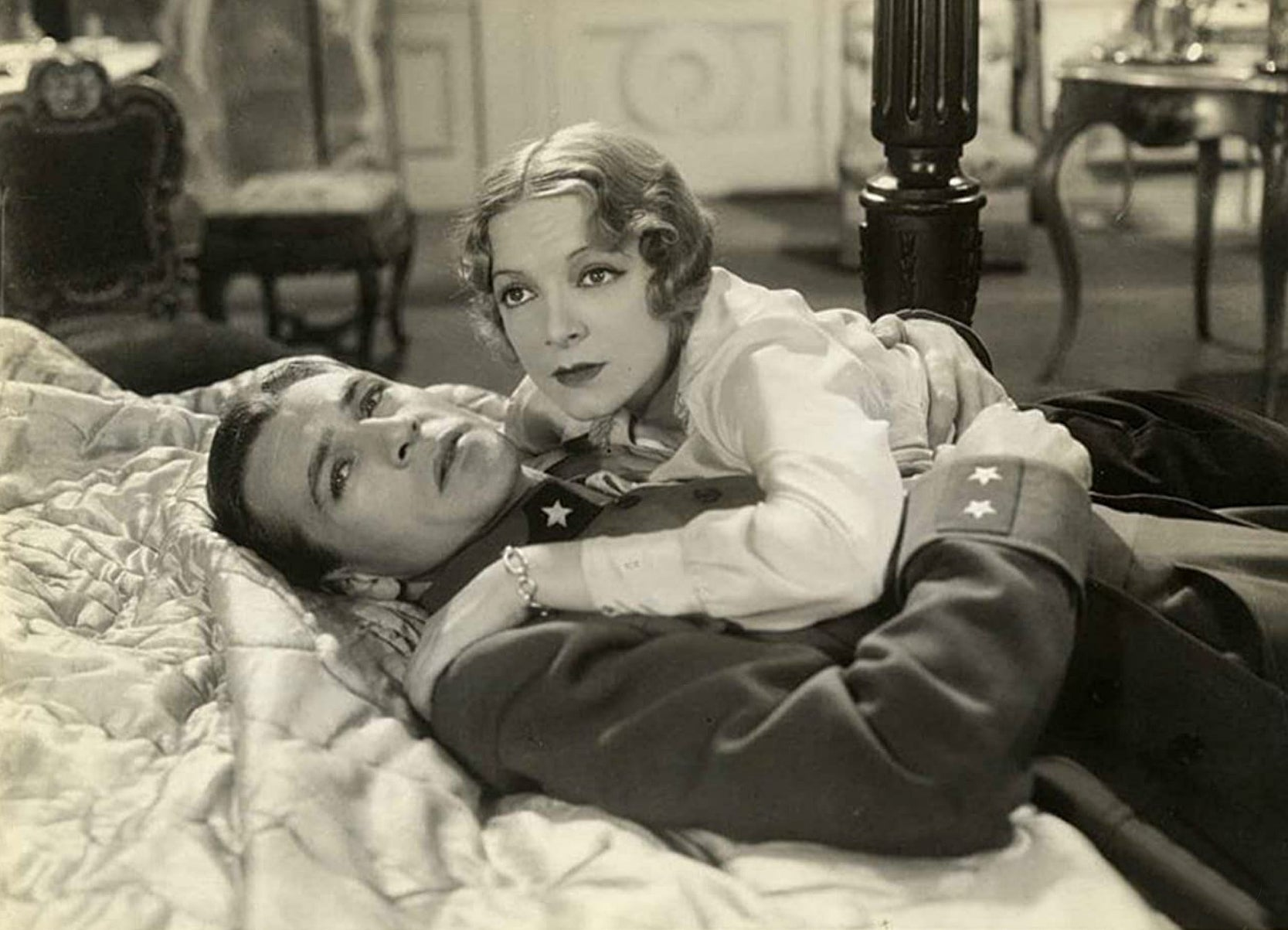 """Gary Cooper and Helen Hayes in """"A Farewell to Arms"""" (1932)"""
