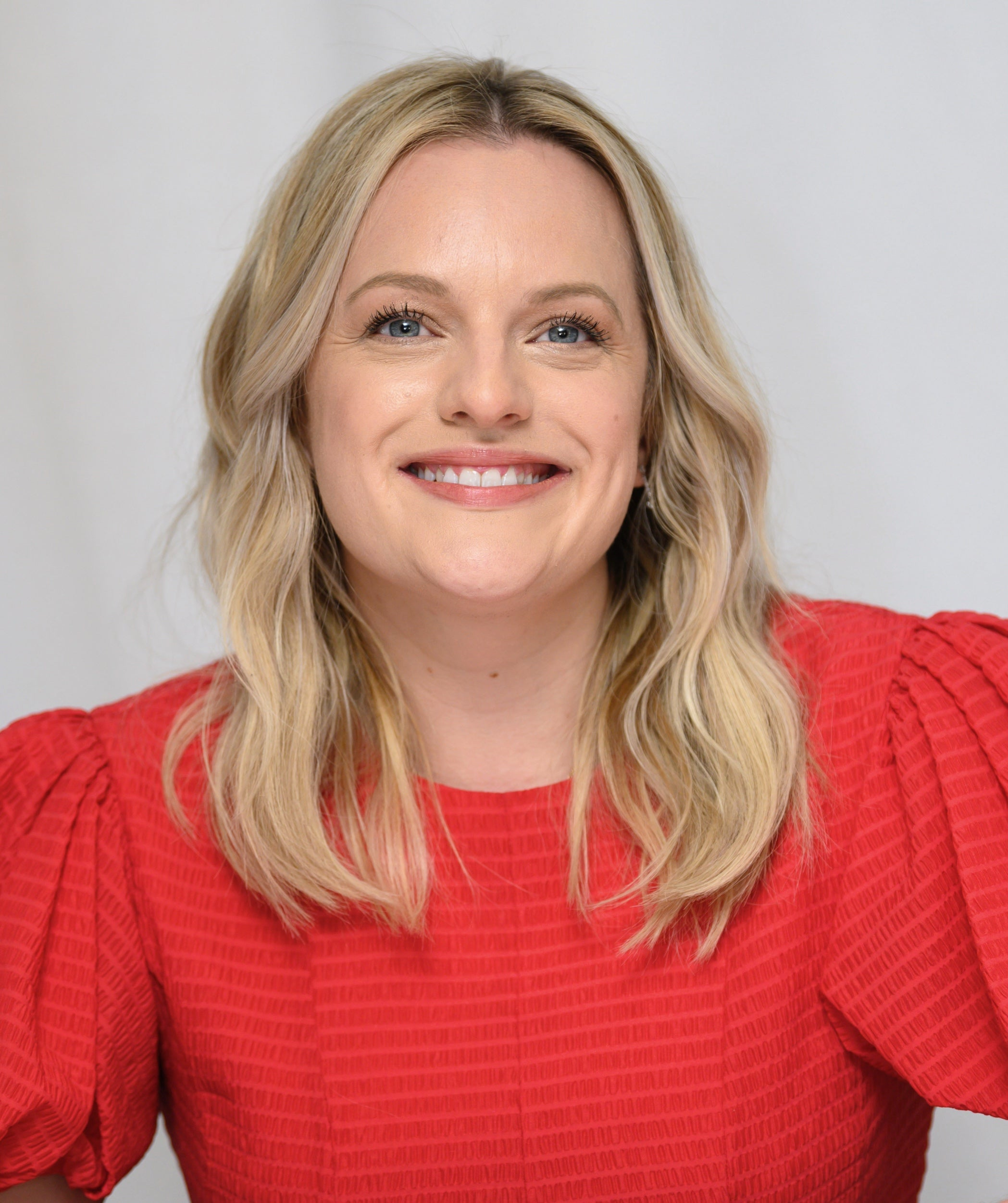 Actress Elisabeth Moss, Golden Globe winner