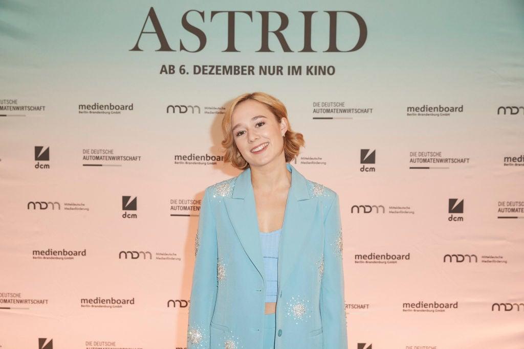 Actress Alba August