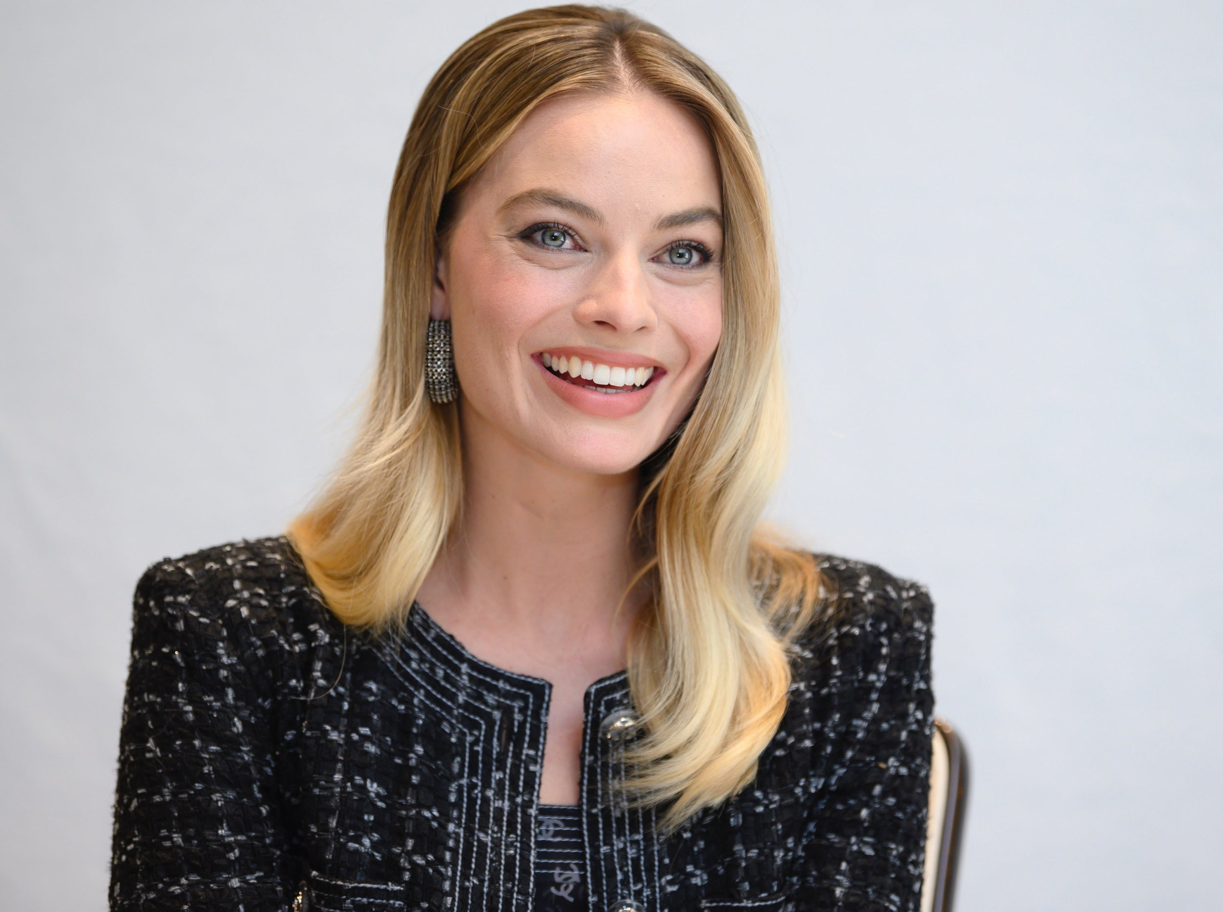 Actress Margot Robbie. Golden Globe nominee