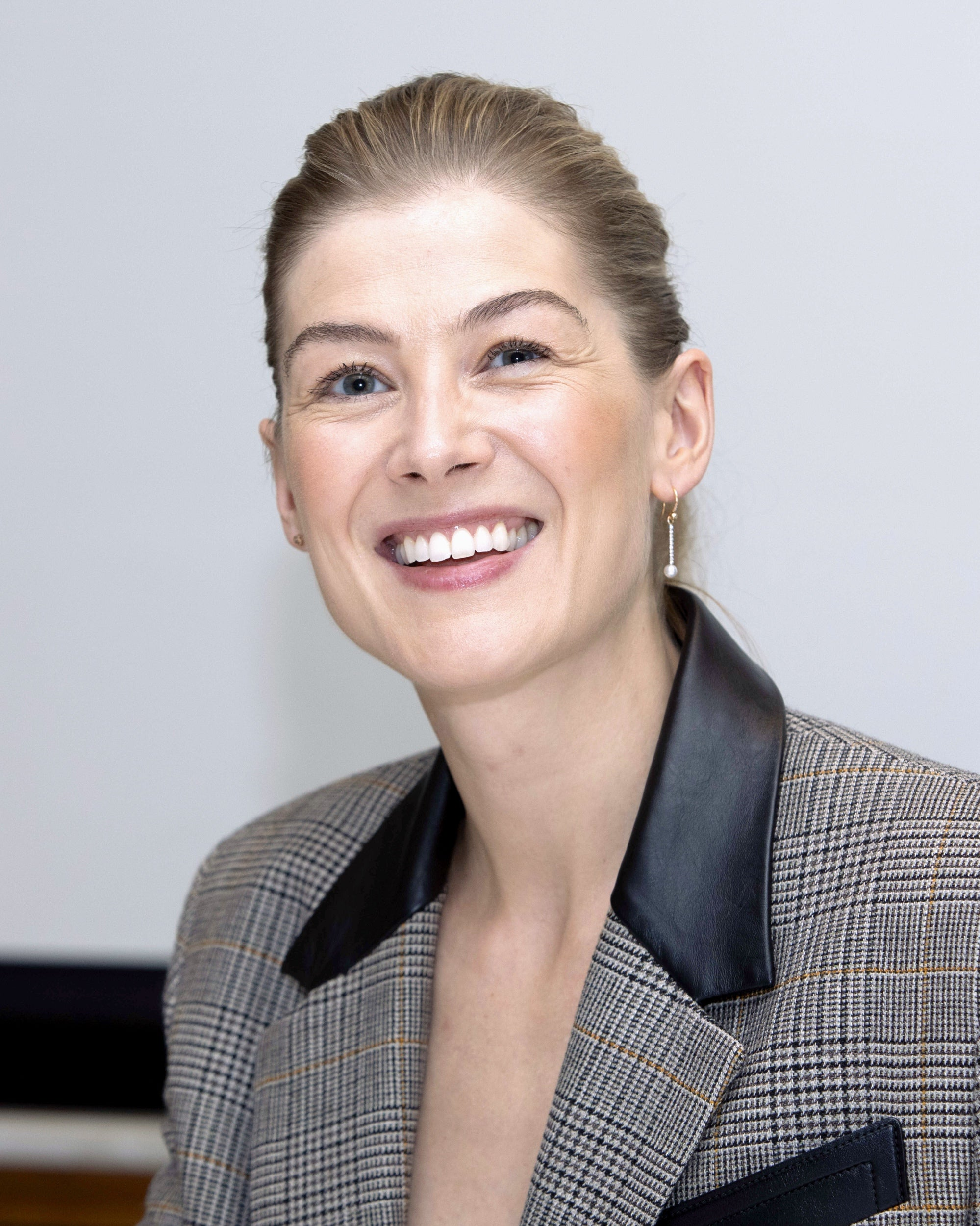 Actress Rosamund Pike, Golden Globe nominee