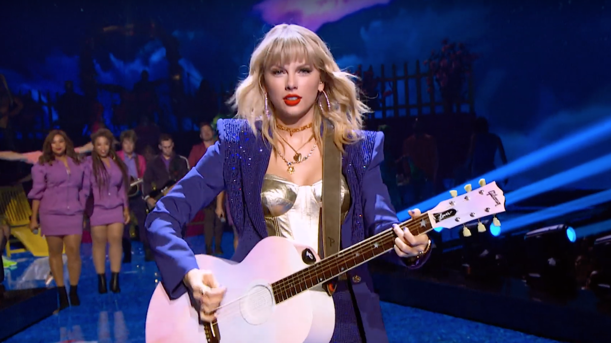"Taylor Swift ina  scene from ""Miss Americana"""
