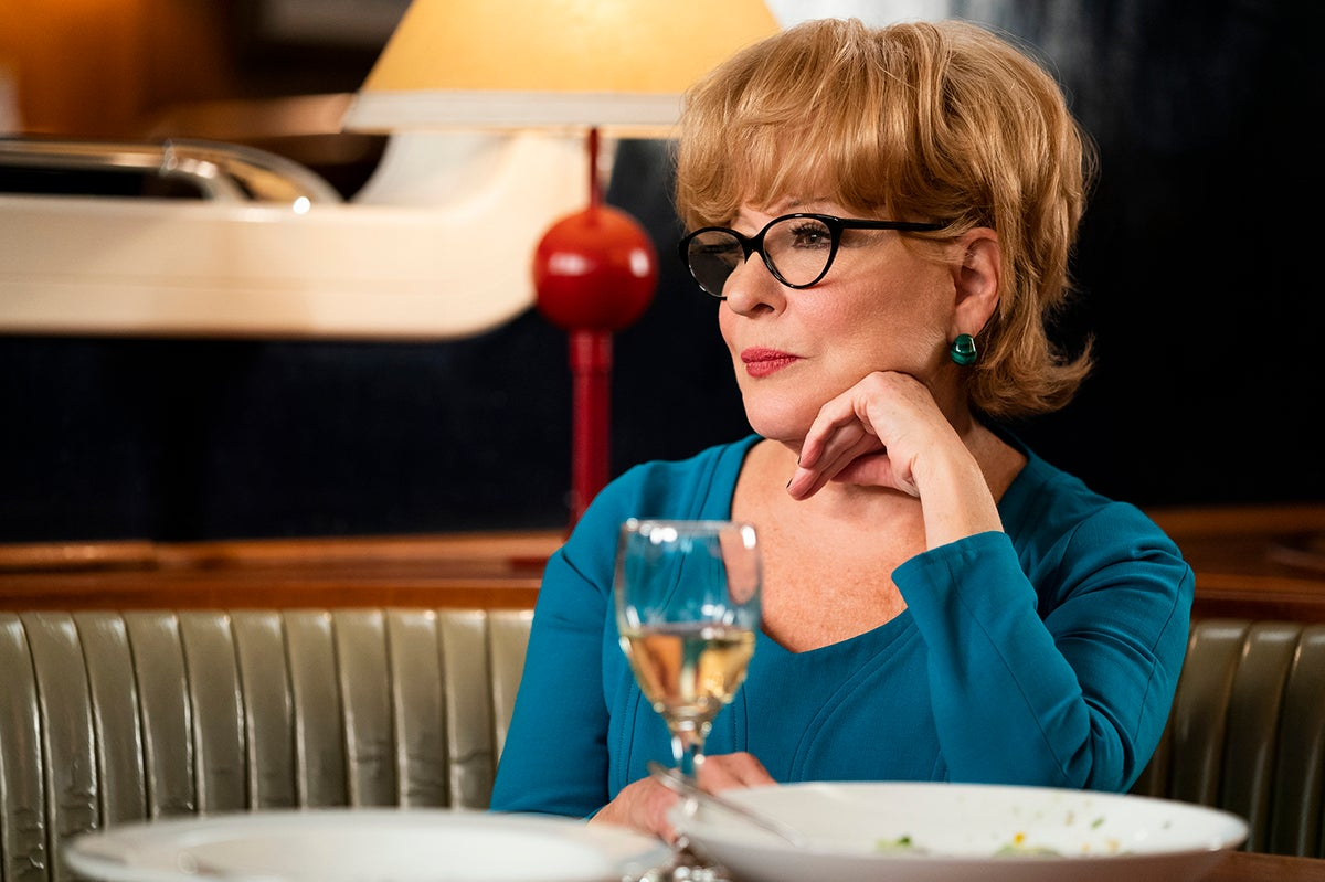 In The Politician, Bette Midler plays Hadassah Gold, a ferocious campaign ad-visor, who is Dede Standish's right-hand on her political campaign.