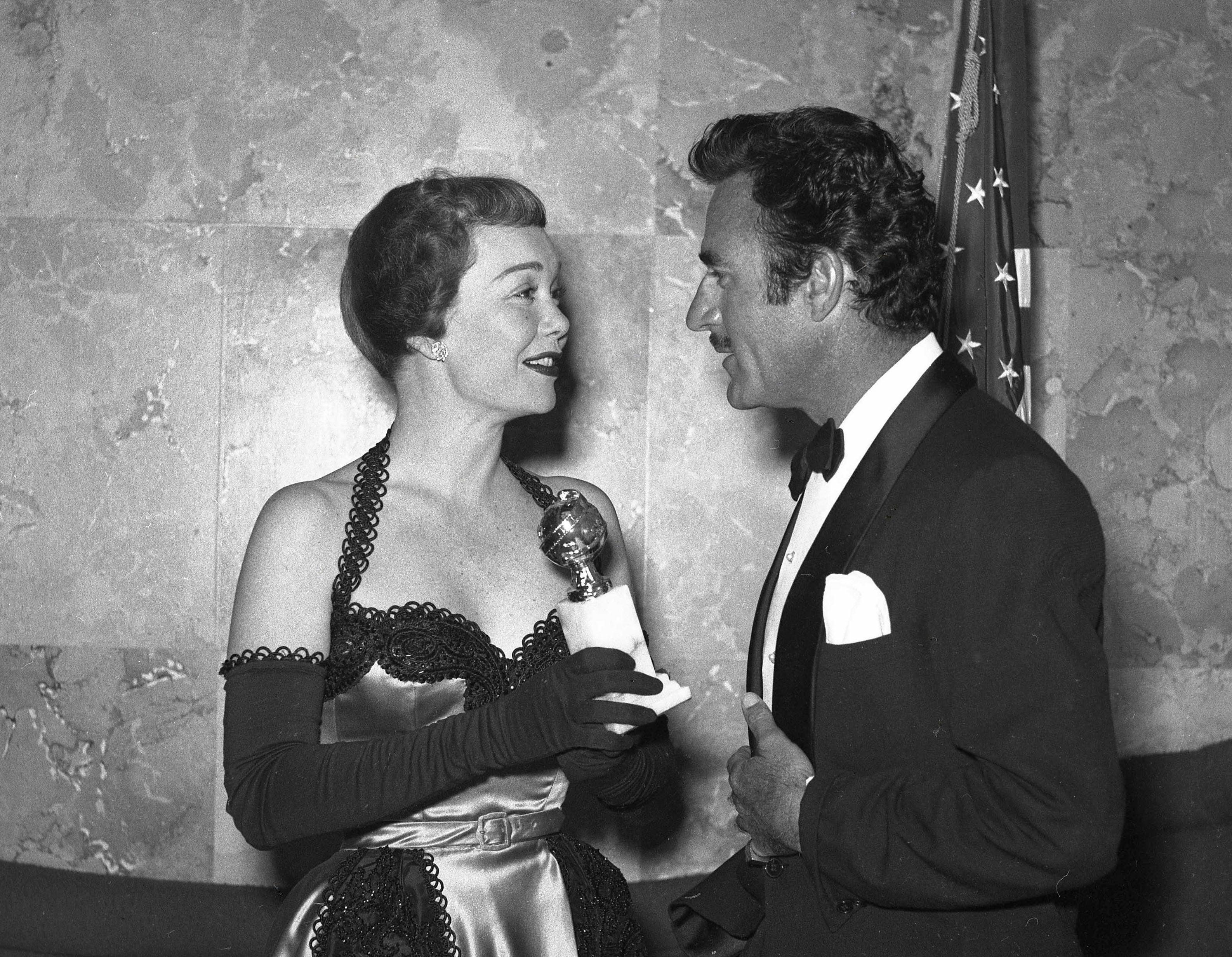 Jane Wyman and Gilbert Roland, Golden Globes 1952