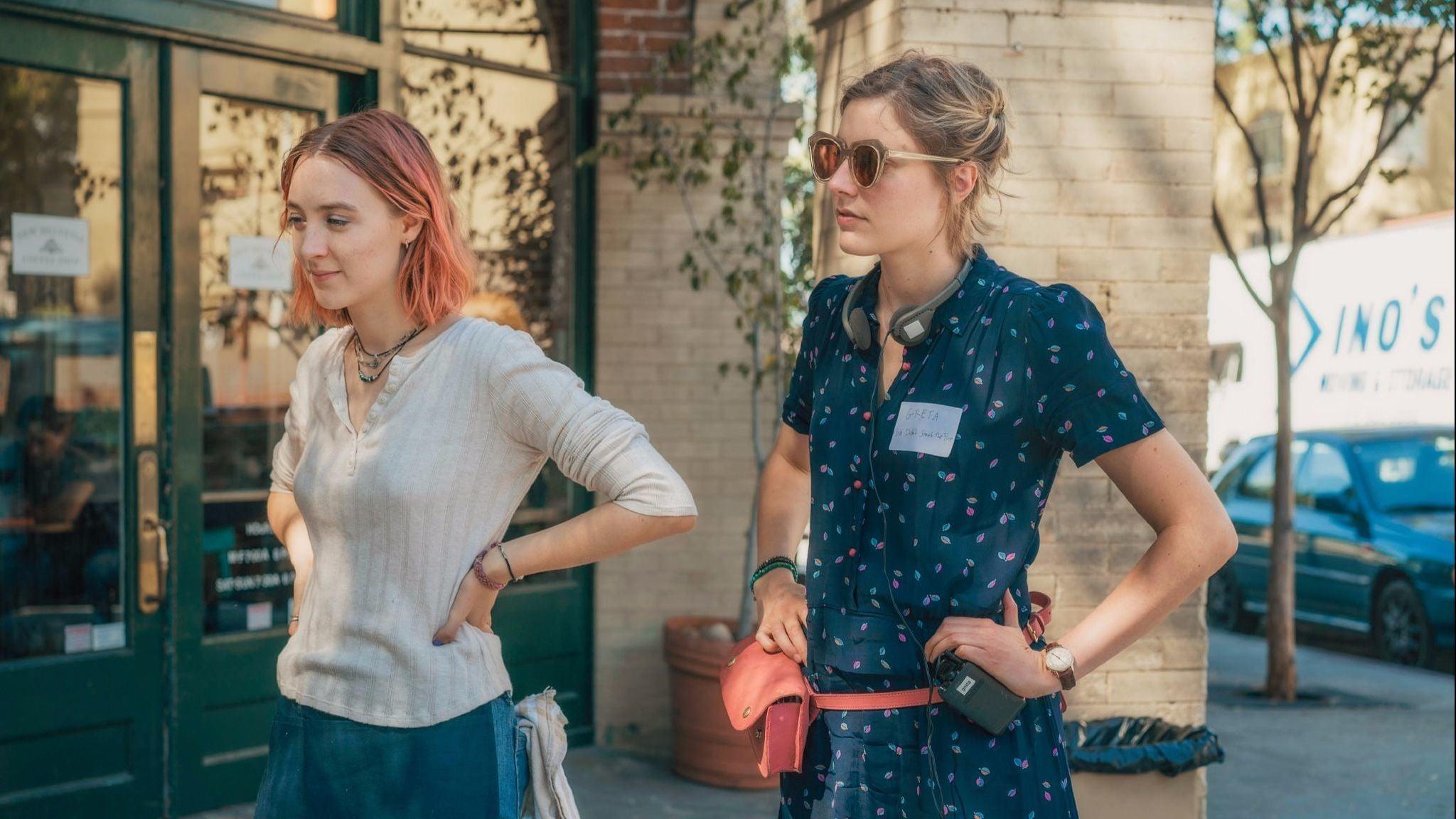 Greta Gerwig and Saoirse Roan on set for Lady Bird