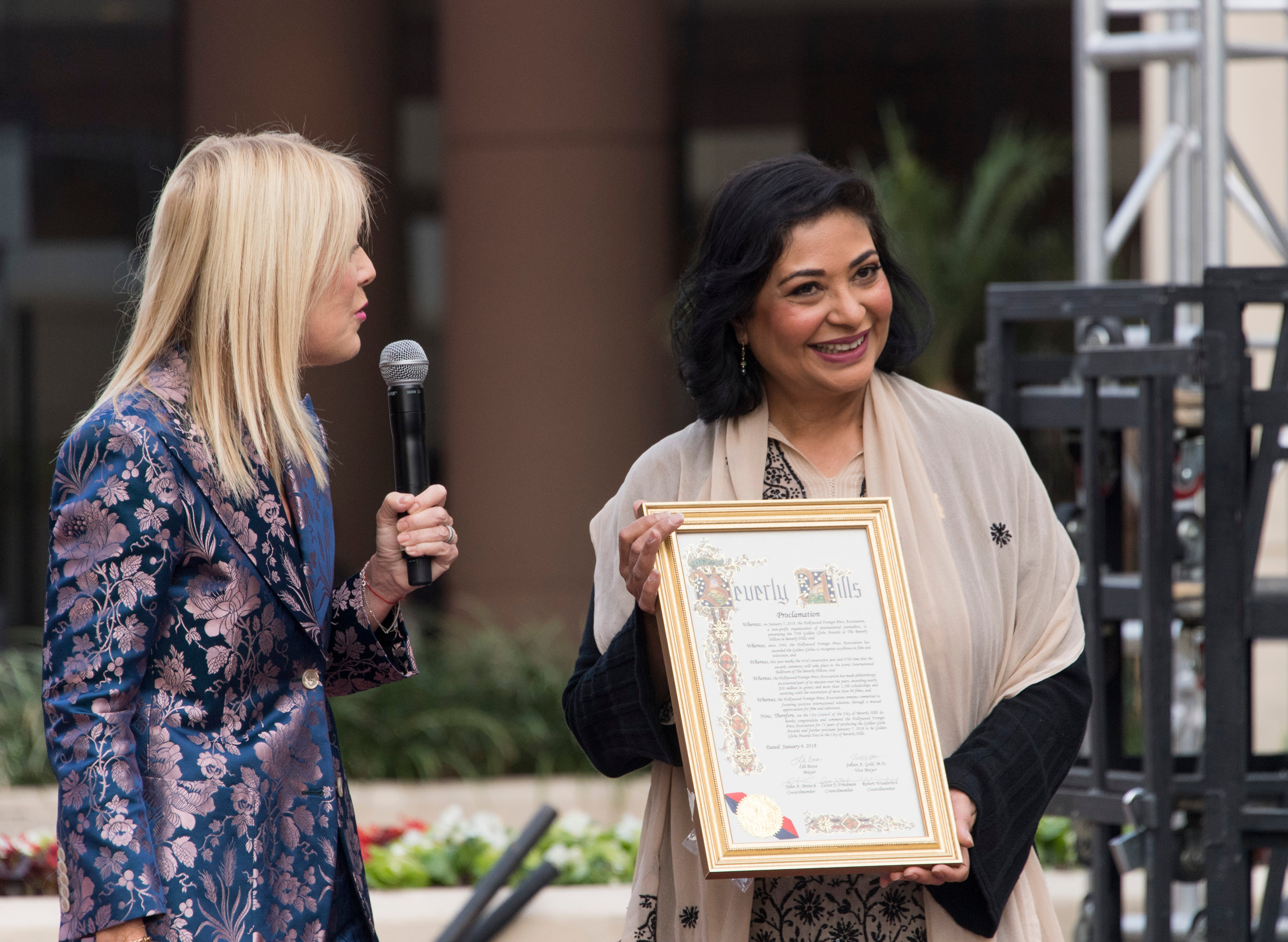 Beverly Hills mayor presents proclamation to HFPA president Meher Tatna