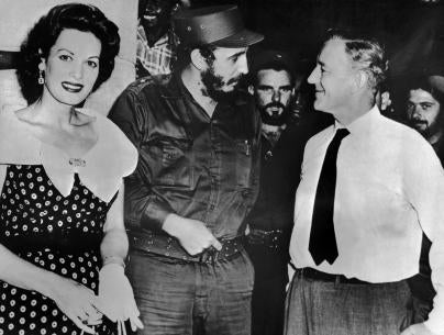 "Fidel Castro with Alec Guiness and Maureen O'Hara on the set of ""Our Man in Havana"""