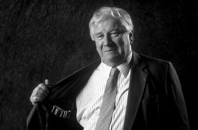 Acror, writer, director Peter Ustinov, Golden Globe winner, in 1991