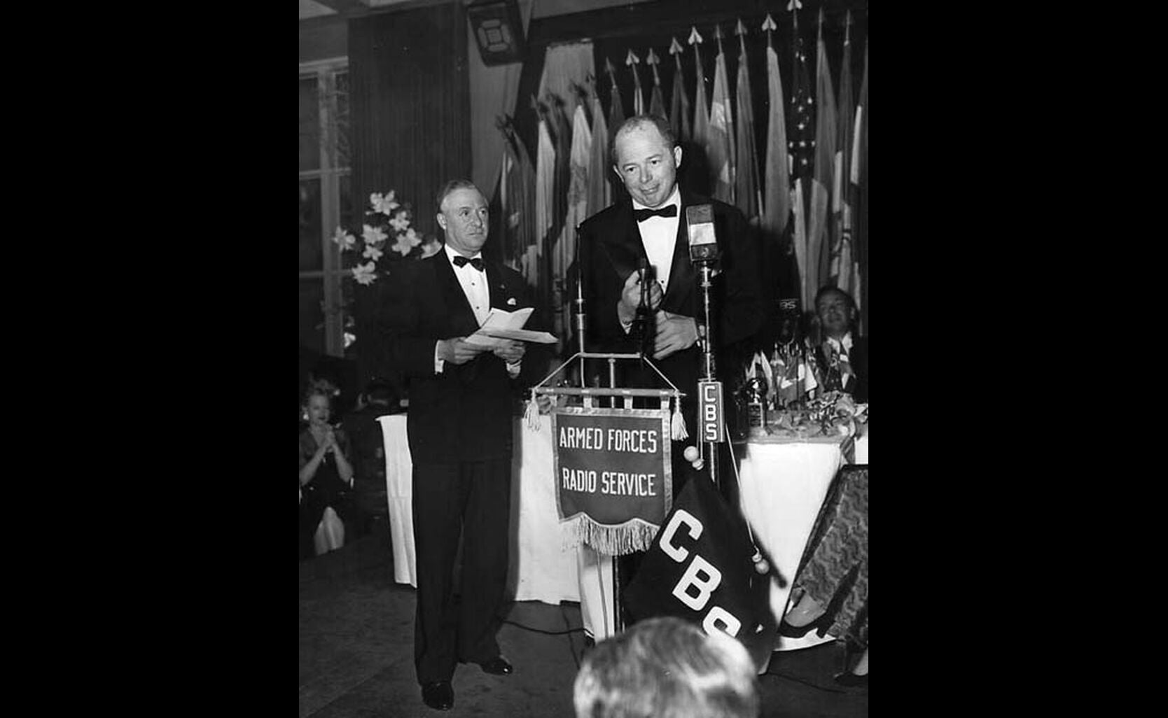 Billy Wilder accpest his Golden Globe for best director, 1946