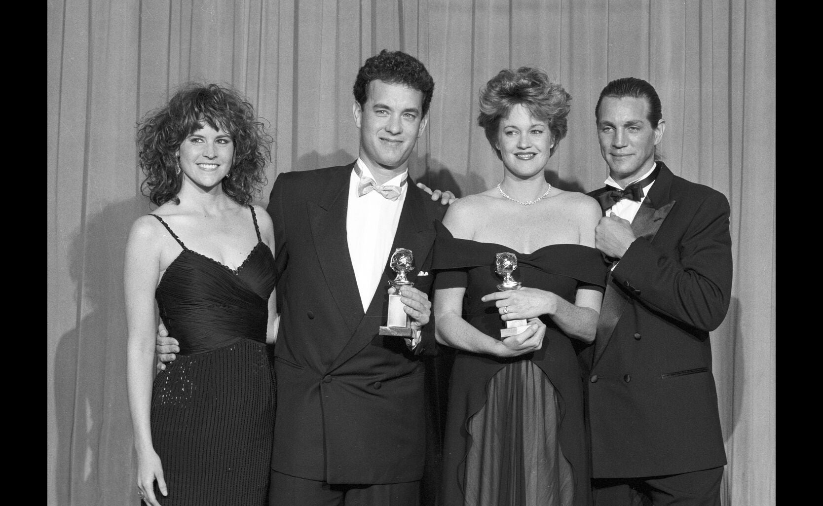 1989_gg46_tom_hanks_melanie_griffith_best_actor_actress_comedy-big_working_girl_ally_sheedy_eric_roberts_n