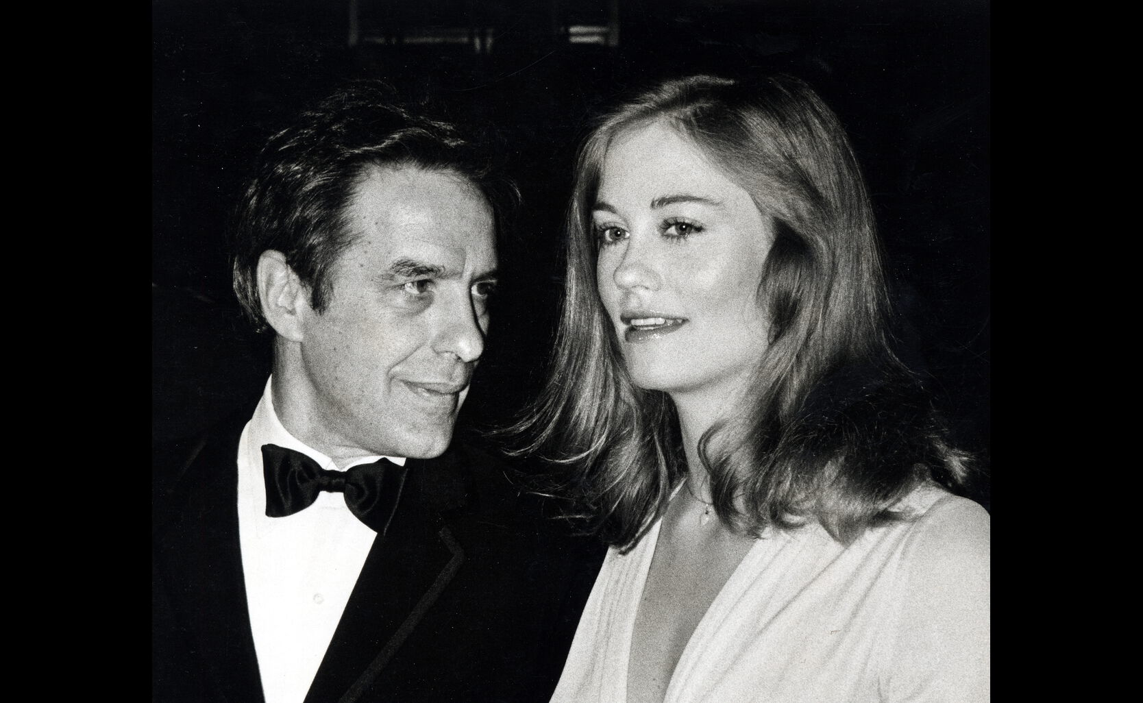 John Cassavetes and Cybil Shepherd at the 34th Golden Globes, 1977