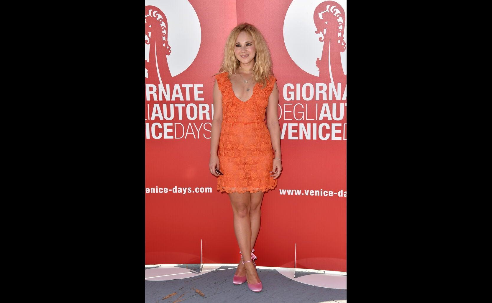 Actress Juno Temple in Venice, 2016