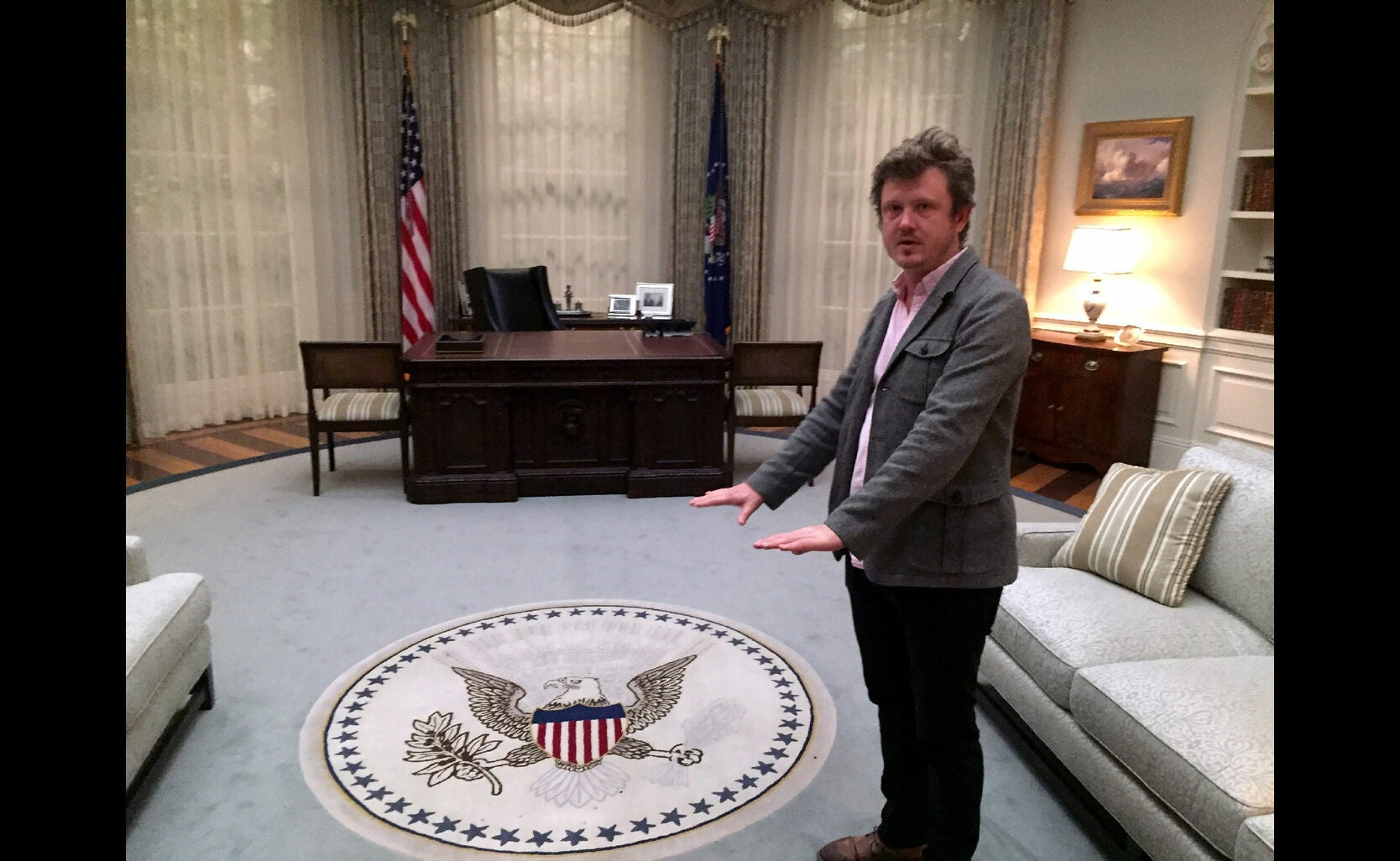 A Guided Tour Of The House Of Cards Sets With Beau Willimon