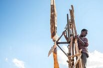 """Maxwell Simba in """"The Boy Who Harnessed the Wind"""" (2019)"""