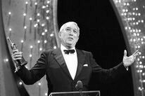Anthony Quinn and his Cecil B.deMille award, 1987