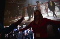 Dance number opens the Fox presentation at CinemaCon2017