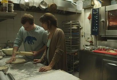 Sarah Adler and Tim Kalkhof in The Cakemaker (2017)