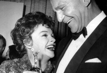 Judy Garland with presenter Henry Wilcoxon, 1962