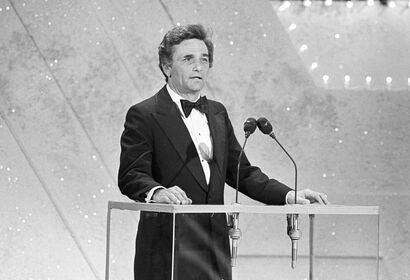 Peter Falk presents at the Golden Globes, 1978