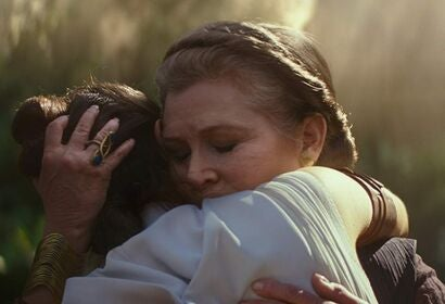 """Carrie Fisher and Daisy Ridley in """"Star Wars: Episode IX - The Rise of Skywalker"""" (2019)"""