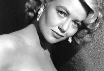 ACtress Dorothy malone, Golden Globe nominee