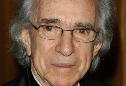Director Arthur Hiller, Golden Globe winner
