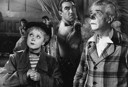 """Anthony Quinn, Giulietta Masina and Aldo Silvani in """"La strada"""" (1954)"""