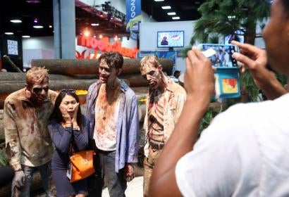 Fans at the Walking Dead stand, Comic Con 2016