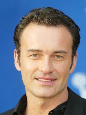 julian mcmahon daughter
