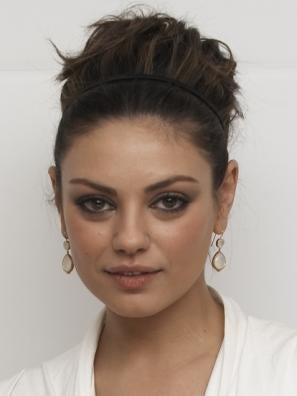 Mila Kunis further Jimmy Fallon Saves The Day For Two Adele Fans After Concert Ticket Scam W158034 moreover Artista Zenyk Palagniuk Ritratto Justin Timberlake Chiodi Filo 05 moreover 379121 further 3d Lion. on justin timberlake 2015