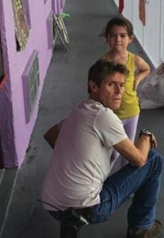"""Willem Dafoe iand Broklynn Prince in a scene from the film """"The Florida Project"""""""