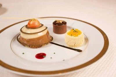 ...and dessert. Bon appetit!